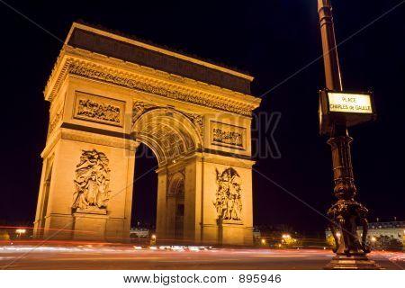 Arc De Triomphe und Straße Platte