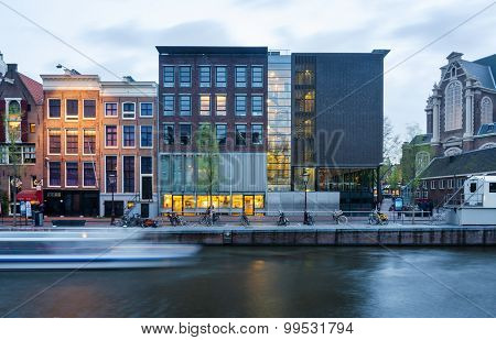 Amsterdam, Netherlands - May 7, 2015: Tourist Visit Anne Frank House And Holocaust Museum In Amsterd