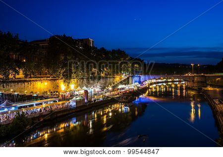 Tiber at night