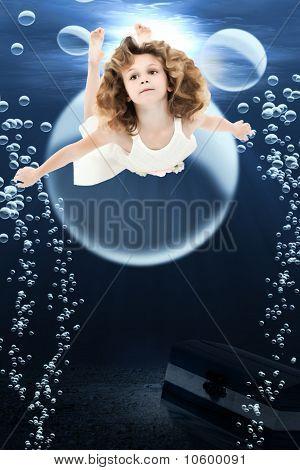 Mädchen Schwimmen Ozean
