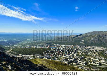 Polar city with a bird's-eye view ...