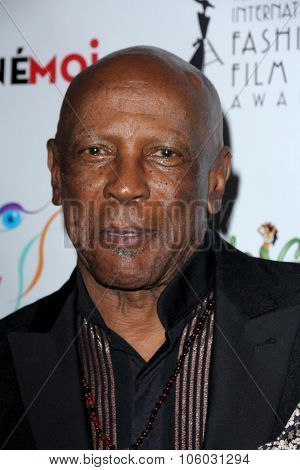 LOS ANGELES - OCT 25:  Lou Gossett Jr at the Internation Film Fashion Awards at the Saban Theater on October 25, 2015 in Los Angeles, CA