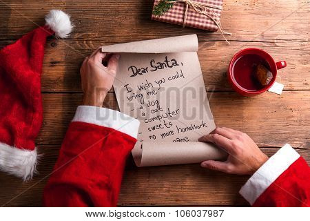 Santa Claus and wishlist