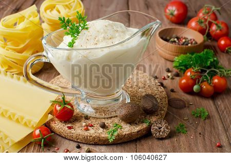 Bechamel Sauce With Nutmeg
