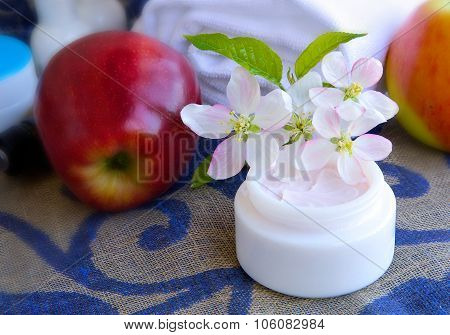 Face Cream With Apple Blossoms Extract.