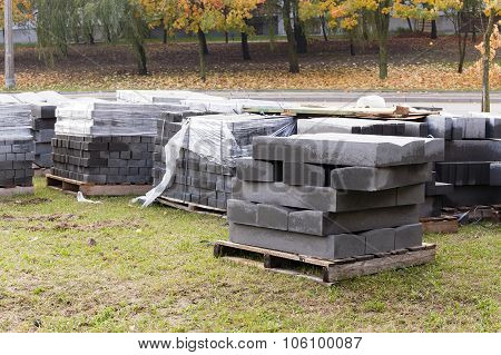 paving slabs on a pallet