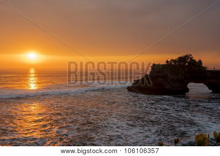 Hindu temple Pura Tanah Lot and sunset Bali, Indonesia.