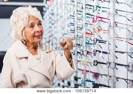 Retiree Looking For New Eyeglasses