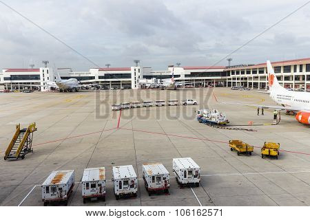 Jet Way From Terminal To Boeing 737 Aircraft At Don Mueang International Airport