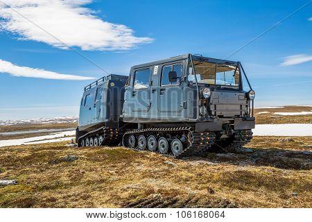 Snowcat tank