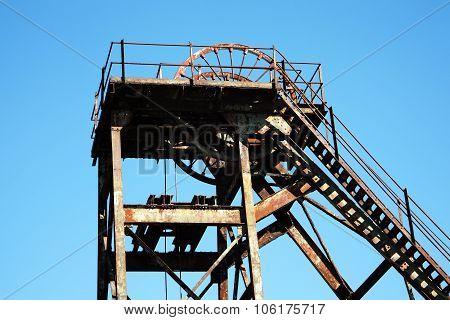 Coal mine hoist