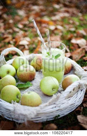 Homemade green juice made from fresh apples