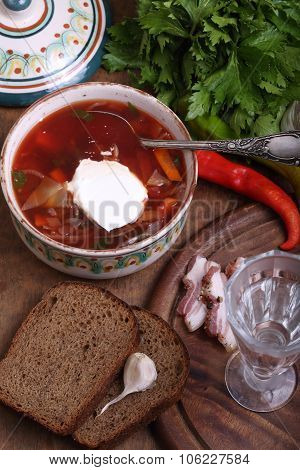 Borsch With Sour Cream, Black Bread With Garlic, Salty Fat And Vodka
