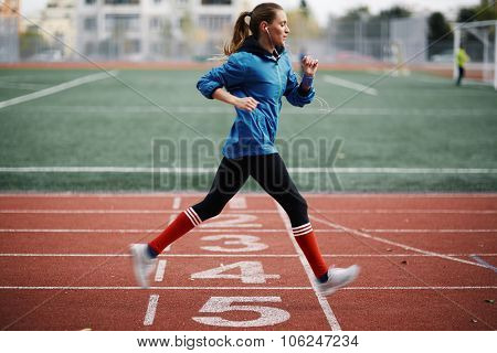 Young woman keeping herself fit
