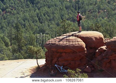 A Sedona Mountain Biker Takes In The View
