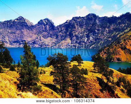 Active Jari Baru Volcano And Lake Mt. Rinjani, lombok, Asia