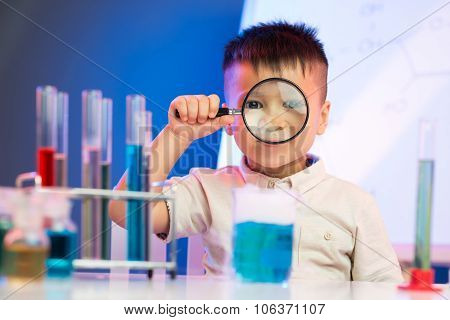 Enthusiastic Little Researcher