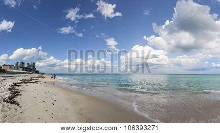 Beautiful Beach And Tropical Ocean In Vero Beach, Florida