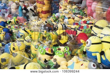 Colorful made in China minions puppets and teddy for sale