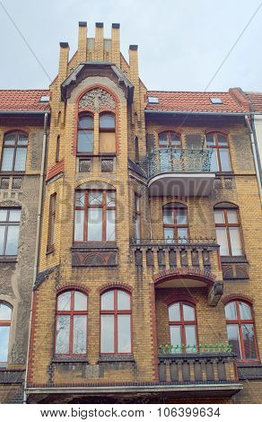 Clinker on the facades of the Art Nouveau buildings