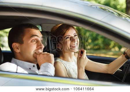 Husband Screams Until His Wife Applying Lipstick