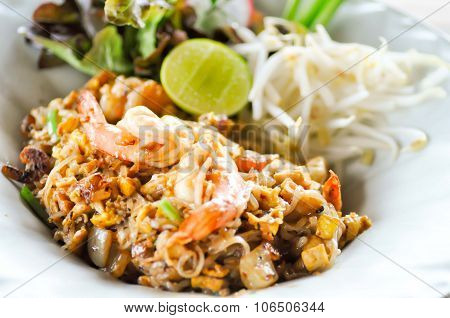 Fried Noodle Thai Style With Prawns, Pad Thai,fried Noodle,thai