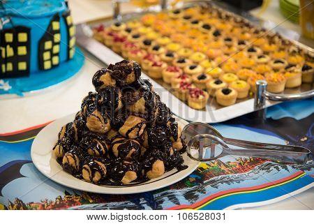 Delicious Profiterole Chocolate Cake