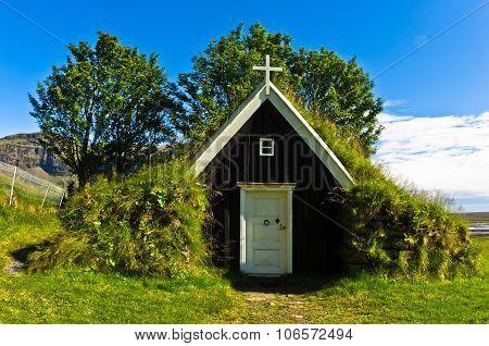 Traditional small icelandic church on Nupstadur farm