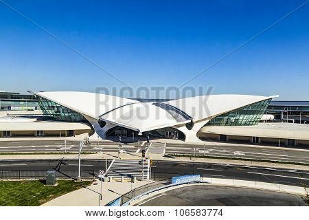 Areal View Of The Historic Twa Flight Center And Jetblue Terminal 5 At Jfk Airport