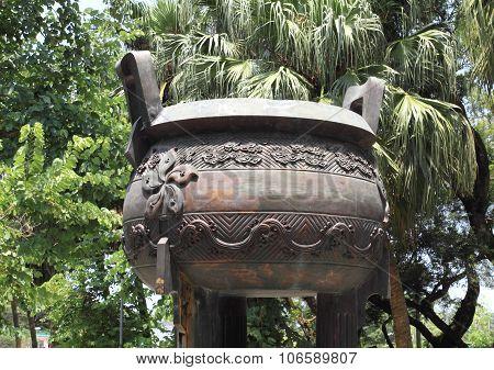 incense burner of Po Lin Temple