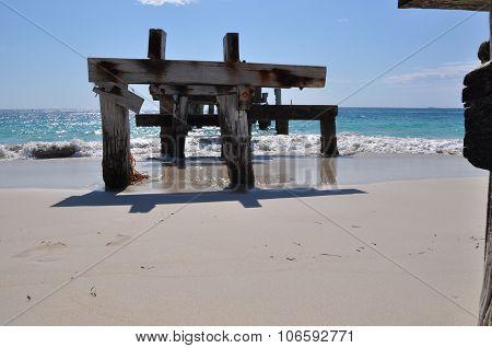 Jurien Bay Abandoned Jetty: Head On