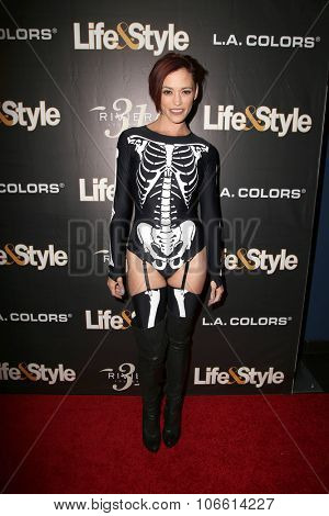 LOS ANGELES - OCT 29:  Jessica Sutta at the Life & Style Weekly's