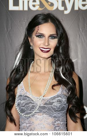 LOS ANGELES - OCT 29:  Samantha Steffen at the Life & Style Weekly's