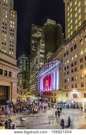 People Join The Party At Wall Street Due To Ferrari  Wall Street Debut