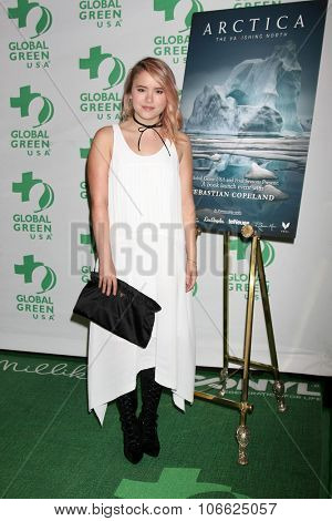 LOS ANGELES - OCT 29:  Taylor Spreitler at the Global Green Hosts Book Lauch of