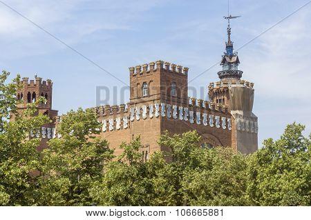 Castel Dels Tres Dragons