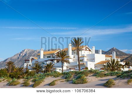 Lucxury Spanish Villas And Aprtments