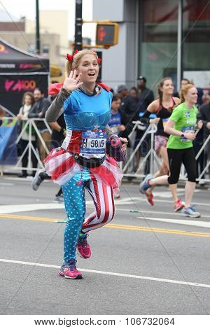 New York City Marathon runners traverse 26.2 miles through all five NYC boroughs