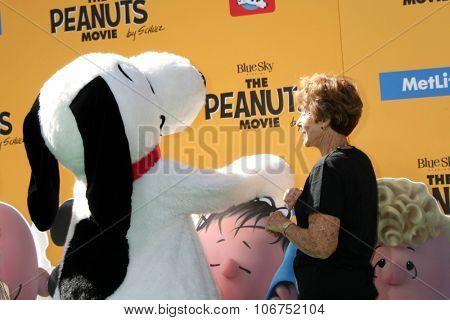 LOS ANGELES - NOV 1:  Snoopy, Jean Schultz at the