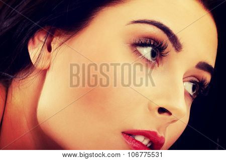 Beautiful glamour woman with fresh evening makeup.