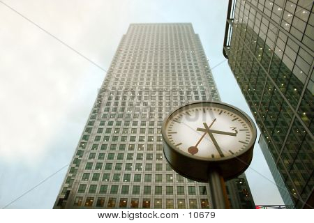 Clock @ Canary Wharf