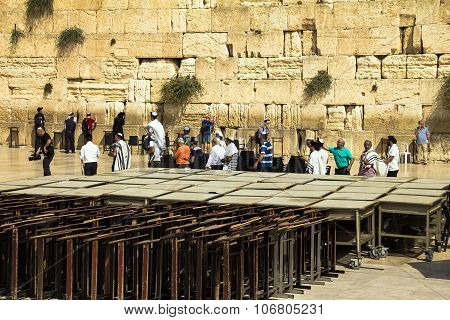Unidentified Jews Spend Bar Mitzvah Ceremony Near Western Wall
