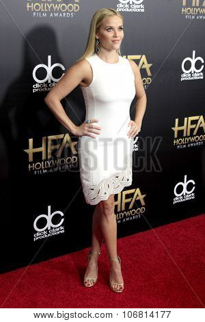 LOS ANGELES - NOV 1:  Reese Witherspoon at the 19th Annual Hollywood Film Awards at the Beverly Hilton Hotel on November 1, 2015 in Beverly Hills, CA