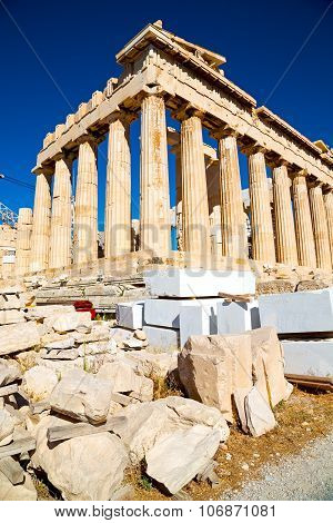 Statue Acropolis Athens     Historical    The Old Architecture