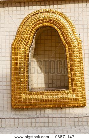 Window   In  Gold     Bangkok  Thailand Incision Of The