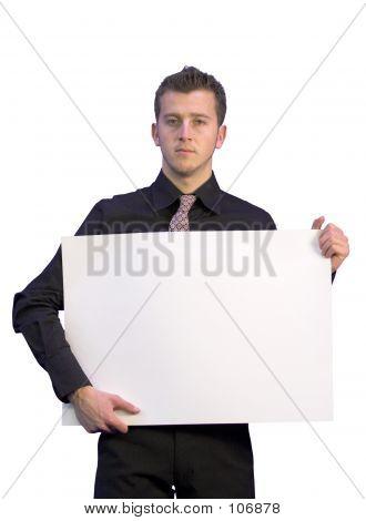 Business Man Holding eine weiße Karte