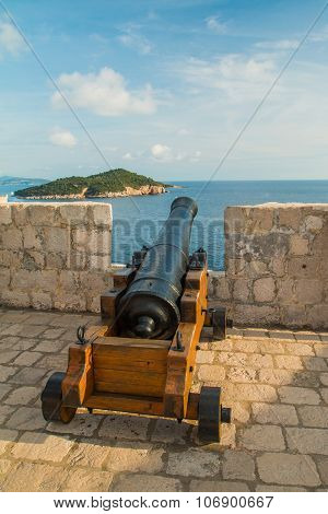 Cannon on the walls of defensive fortress Lovrijenac, old town of Dubrovnik, Croatia