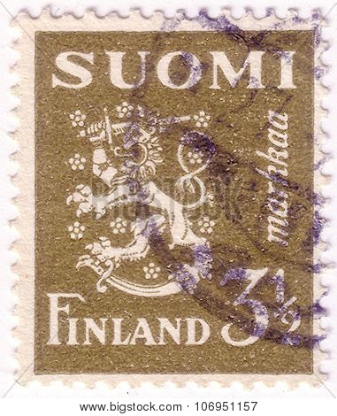 Finland - Circa 1942: A Stamp Printed In Finland Shows Lion Coat Of Arms, Circa 1942