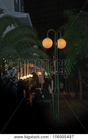 double street light