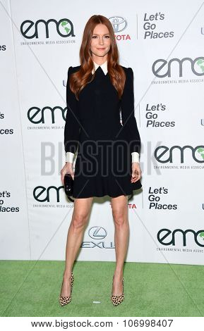 LOS ANGELES - OCT 24:  Darby Stanchfield arrives to the 25th Annual Environmental Media Awards on October 24, 2015 in Hollywood, CA.